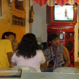 PHILIPPINEN BLOG - Hoch die Tassen am Samstag Foto: Sir Dieter Sokoll KR