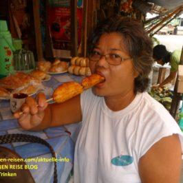 PHILIPPINEN BLOG - Bananen am Stiel Foto: Sir Dieter Sokoll KRPHILIPPINEN BLOG - Bananen am Stiel Foto: Sir Dieter Sokoll KR