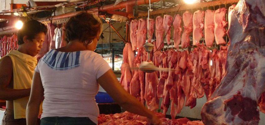 PHILIPPINEN REISEN BLOG - Beim Metzger auf dem Markt Foto: Sir Dieter Sokoll KR