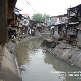 PHILIPPINEN BLOG - Wohnen am und über dem Kanal FOTO: Sir Dieter Sokoll KR