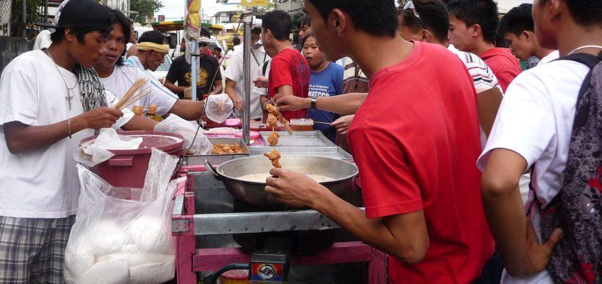 Straßenküchen in der belebten Innenstadt