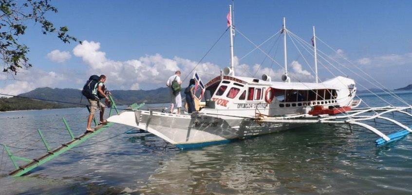 Schneller Fährdienst zwischen Coron und El Nido in Palawan