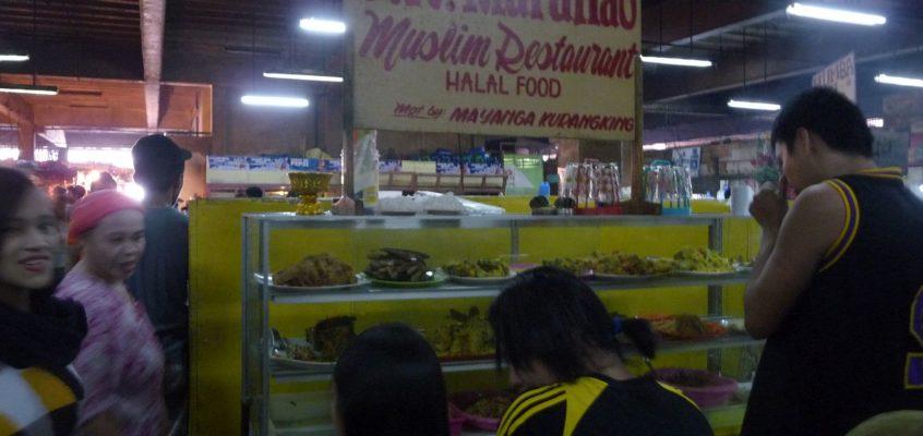 Auf dem Markt kann man auch essen