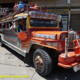 Philippinen - Am Jeepney Terminal - Personenverkehr - Personentransport