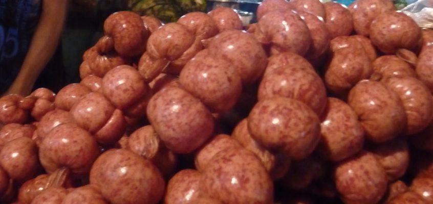 Die Metzger auf dem Markt