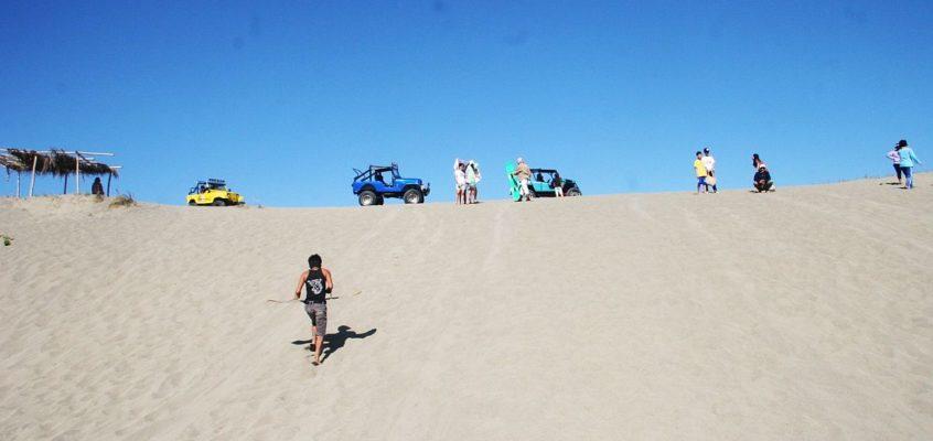 FREIZEIT: Die Sanddünen von Paoay reizen zu einer aufregenden Fahrt