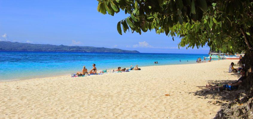 Eines der bekannten Touristenziele auf Boracay – Puka Beach