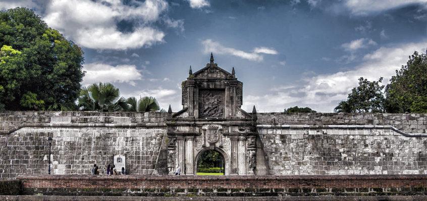 Die Spur der Zeit der philippinischen Geschichte verläuft durch Fort Santiago