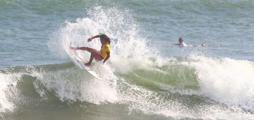 LEUTE – Surfing Champ Nilbie Blancada von Siargao