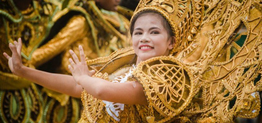 Feier über die Großzügigkeit der Natur zu Land und zur See – Sibug Sibug Festival