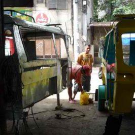 PHILIPPINEN REISEN BLOG - bei den Rela Machern von Camaman-an Foto: Dieter Sokoll