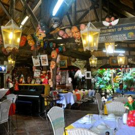 PHILIPPINEN REISEN BLOG - Frosch und Schlange auf dem Teller im Balaw-Balaw Restaurant und Gallerie in Angono