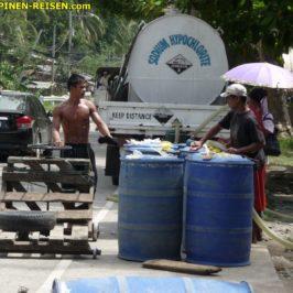 PHILIPPINEN REISEN BOG - Bleichmittelverkauf Foto: Sir Dieter Sokoll KR