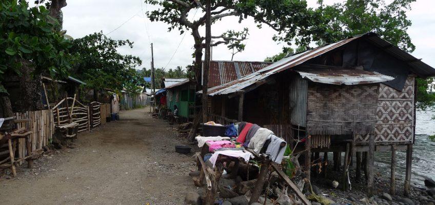 PHILIPPINEN REISEN BLOG - In einem armseligen Fischerdorf Foto: Sir Dieter Sokoll KR