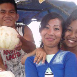 PHILIPPINEN REISEN BLOG - Kokosnussverkäufer Foto: Sir Dieter Sokoll KR