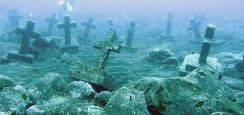 FRIEDHÖFE: Versunkener Friedhof auf Camiguin