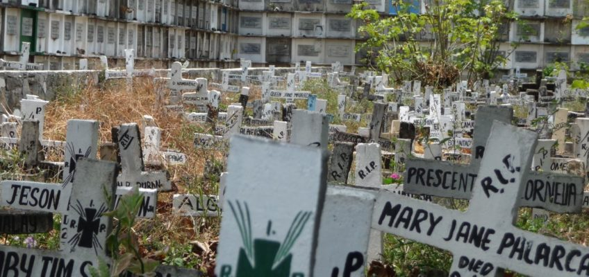 PHILIPPINEN REISEN BLOG - Ein ganz gewöhnlicher Friedhof in den Philippinen Foto: Sir Dieter Sokoll KR
