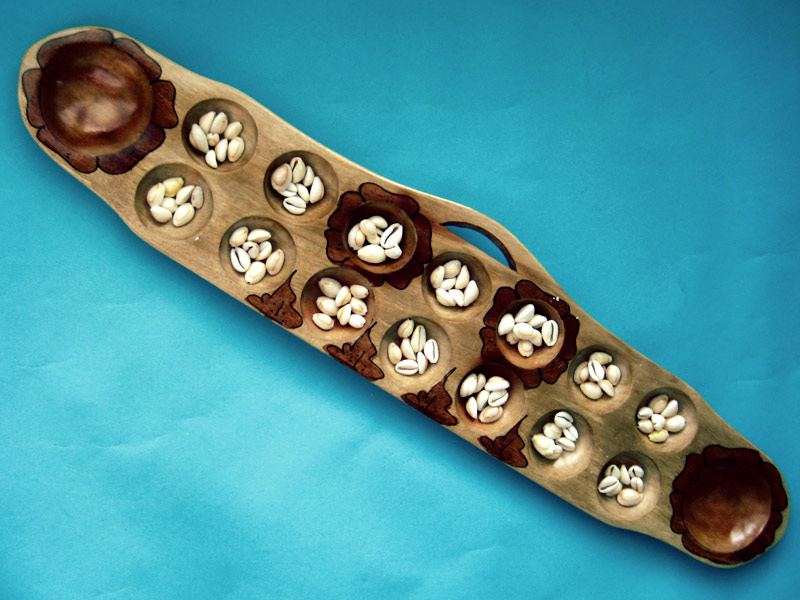 SERIE: Klassische philippinische Spielzeuge – Sungka Brett