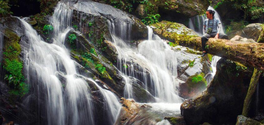 Die versteckten Tumitindog Wasserfälle in Impasugon