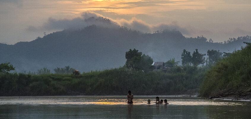 Fahrt auf dem Agusan-Fluss auf einem Bambusfloß für drei Tage