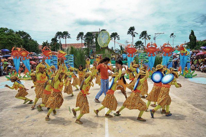 PHILIPPINEN REISEN - KULTUR - FESTE - Das Kinis Festival