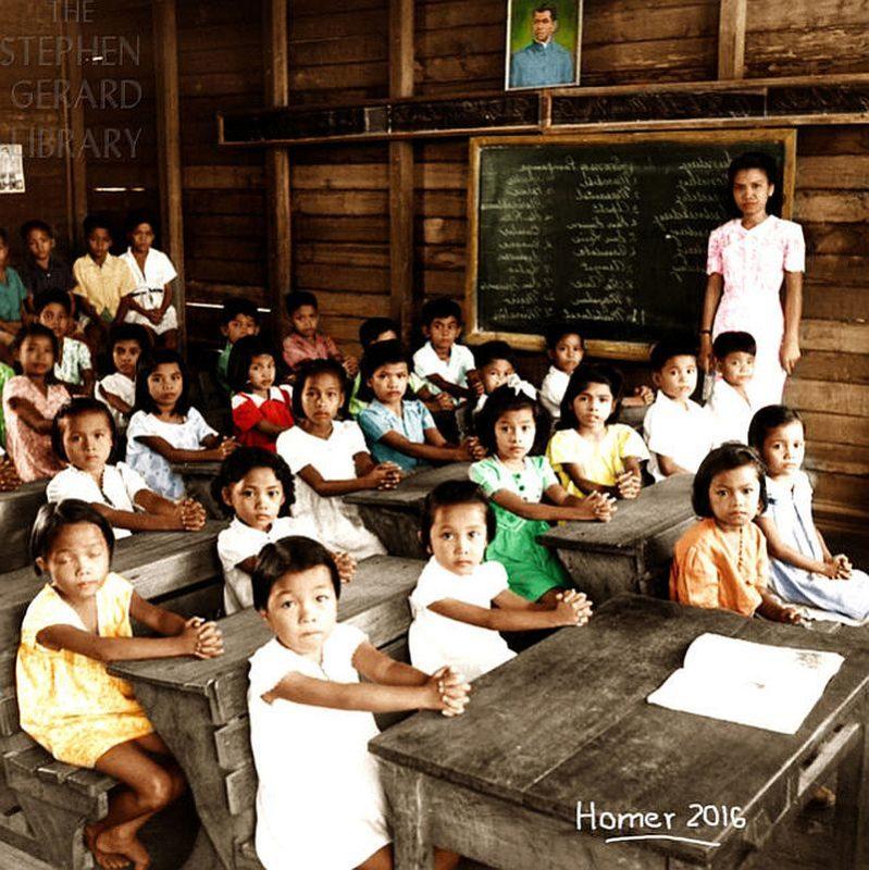 PHILIPPINEN REISEN - GESCHICHTE - COLORIERTE FOTOS - Photograph by Carl Mydans. Colorized by Homer Fernandez.