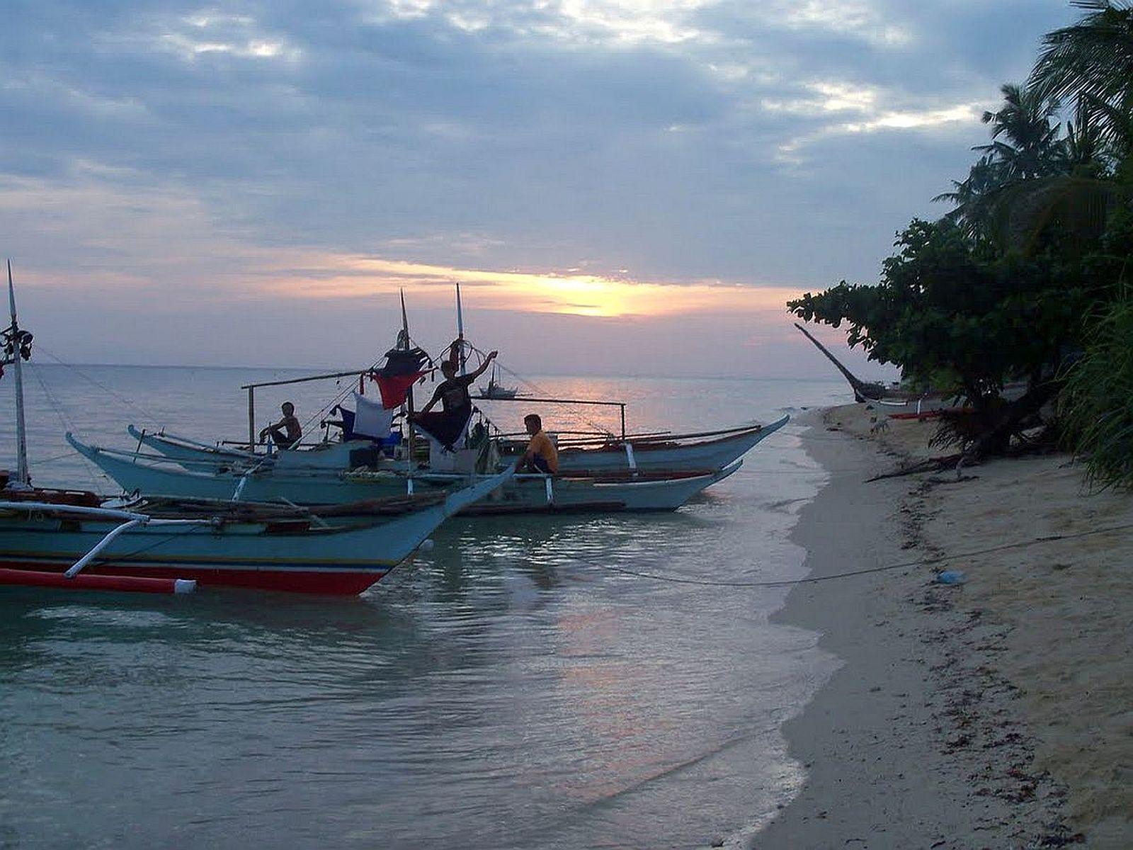 PHILIPPINEN REISEN - INSELN in LUZON - Touristische Beschreibung der Luzon Insel Jintotolo